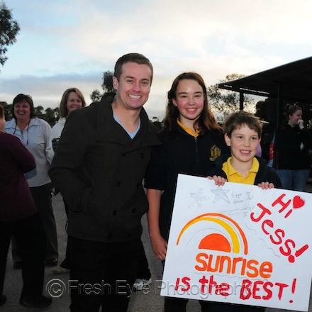Sunrise - Grant Denyer & the 7 Sunrise weather presented from Kimba's Big Galah.